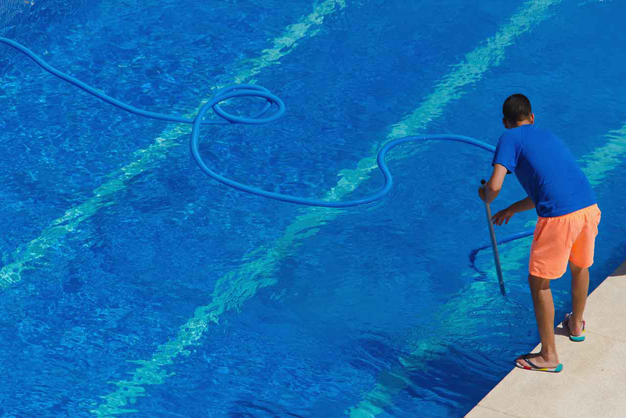division-facilities-mantenimiento-de-piscinas-1
